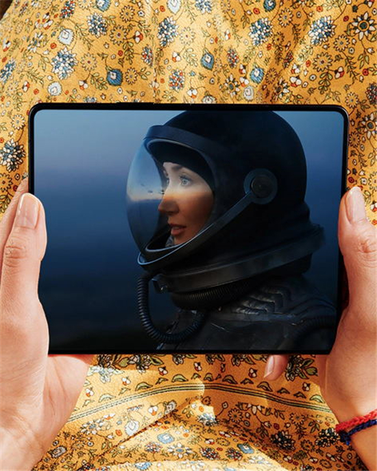 真.全面屏体验!三星Galaxy Z Fold3 5G:领先的折叠设计、优秀的屏幕显示