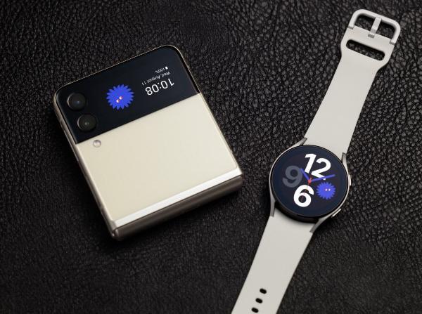潮流手机就买三星Galaxy Z Flip3 5G折叠屏 好看更耐用