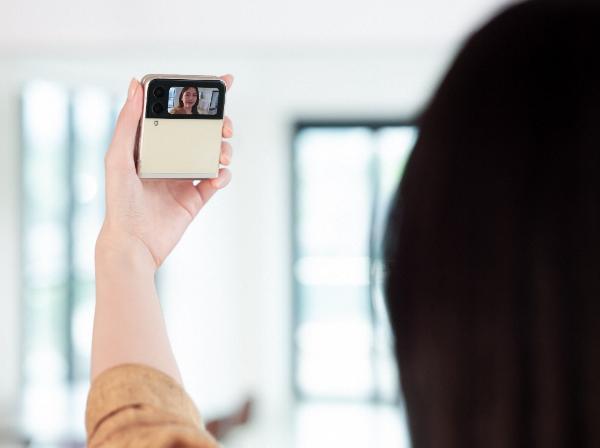 看三星Galaxy Z Flip3 5G 如何用外屏来定义你的专属风格