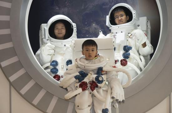 """""""未来的海南生活""""体验舱成都巡展开幕 从更好的海南,迈向星辰大海"""