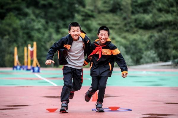 助力青少年决战中考 安踏儿童专业科技装备发力!
