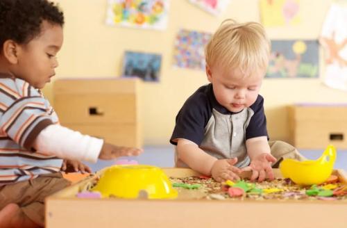 干货贴:0~12月龄早教攻略,宝宝越玩越聪明!
