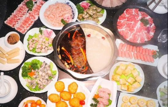中秋节陪家人吃火锅老人小孩不能吃太烫太辣?搭配馨田火锅油碟可轻松解决!
