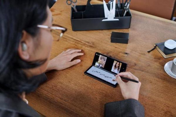 大量iPhone用户转投三星折叠屏 新一代三星Galaxy Z系列带来颠覆体验