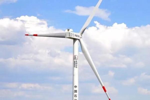 润动陆上风电产业 长城润滑油助力中国石化首个陆上风电机组成功吊装