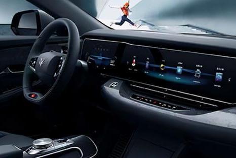 于立国:极狐汽车将不断完善产品体系