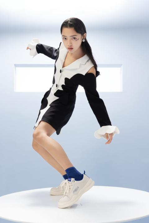 鮀品克莱因蓝新款鞋品惊喜上市 藏在秋冬里的一抹Blue声色