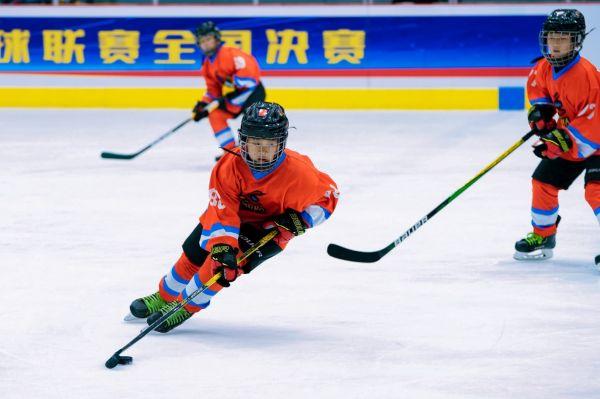 2021中国青少年冰球联赛全国决赛圆满结束