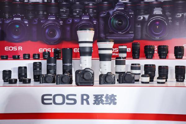 佳能EOS R3上手 全球首款全画幅微单方块机