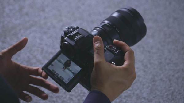 折叠式翻转屏 尼康全画幅旗舰微单Z 9预热视频曝光