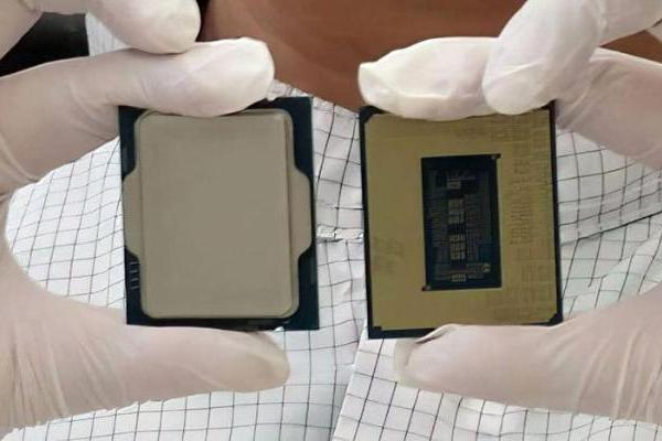 英特尔官方放出12代处理器实拍,形状大改